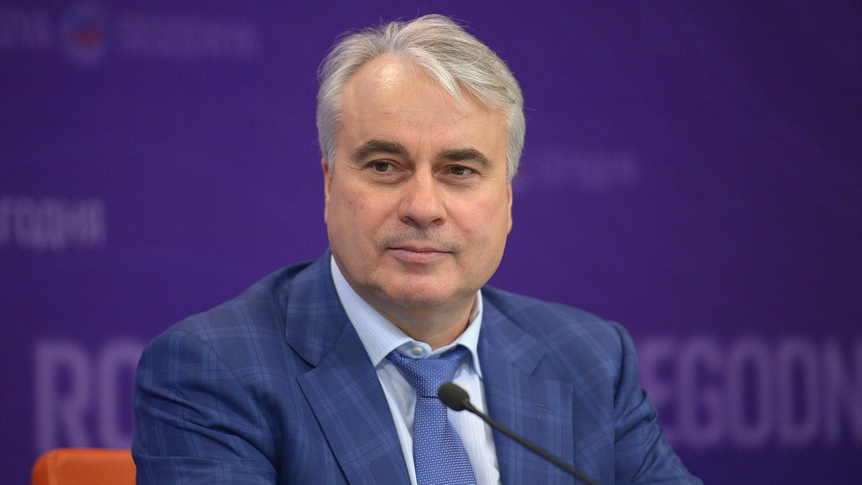 Павел Завальный